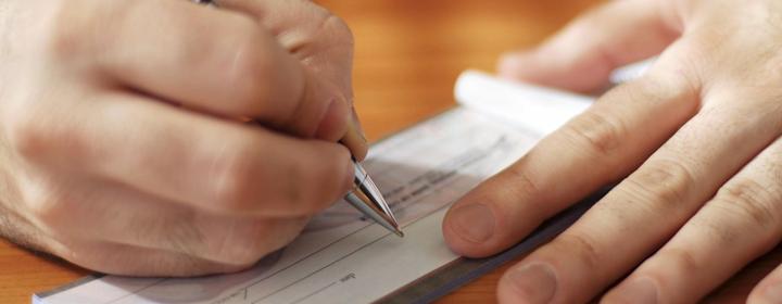 Assegno di divorzio: il nuovo orientamento della cassazione si applica anche ai giudizi di revisione dell'assegno di divorzio.